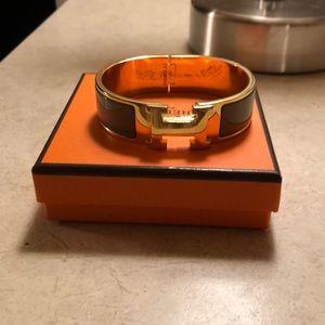 H clic  bracelet / gray and gold